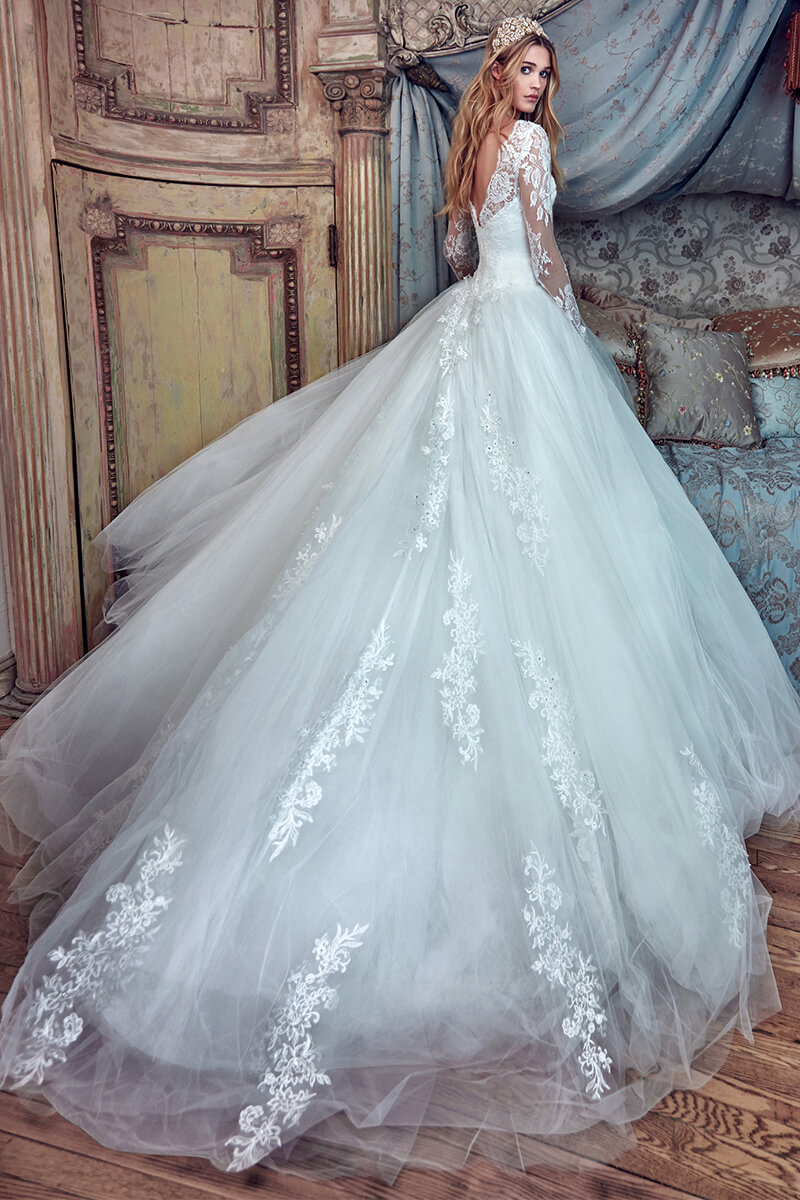 Long-Sleeved Sweetheart Ball-Gown Wedding Dress | Bycouturier