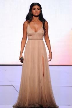 322d1b4086f ... Selena Gomez Champagne Evening Prom Dress 2014 American Music Awards