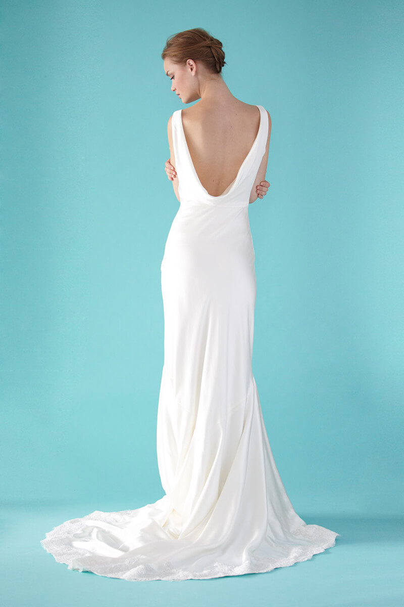 Satin mermaid v neck wedding gown   Bycouturier