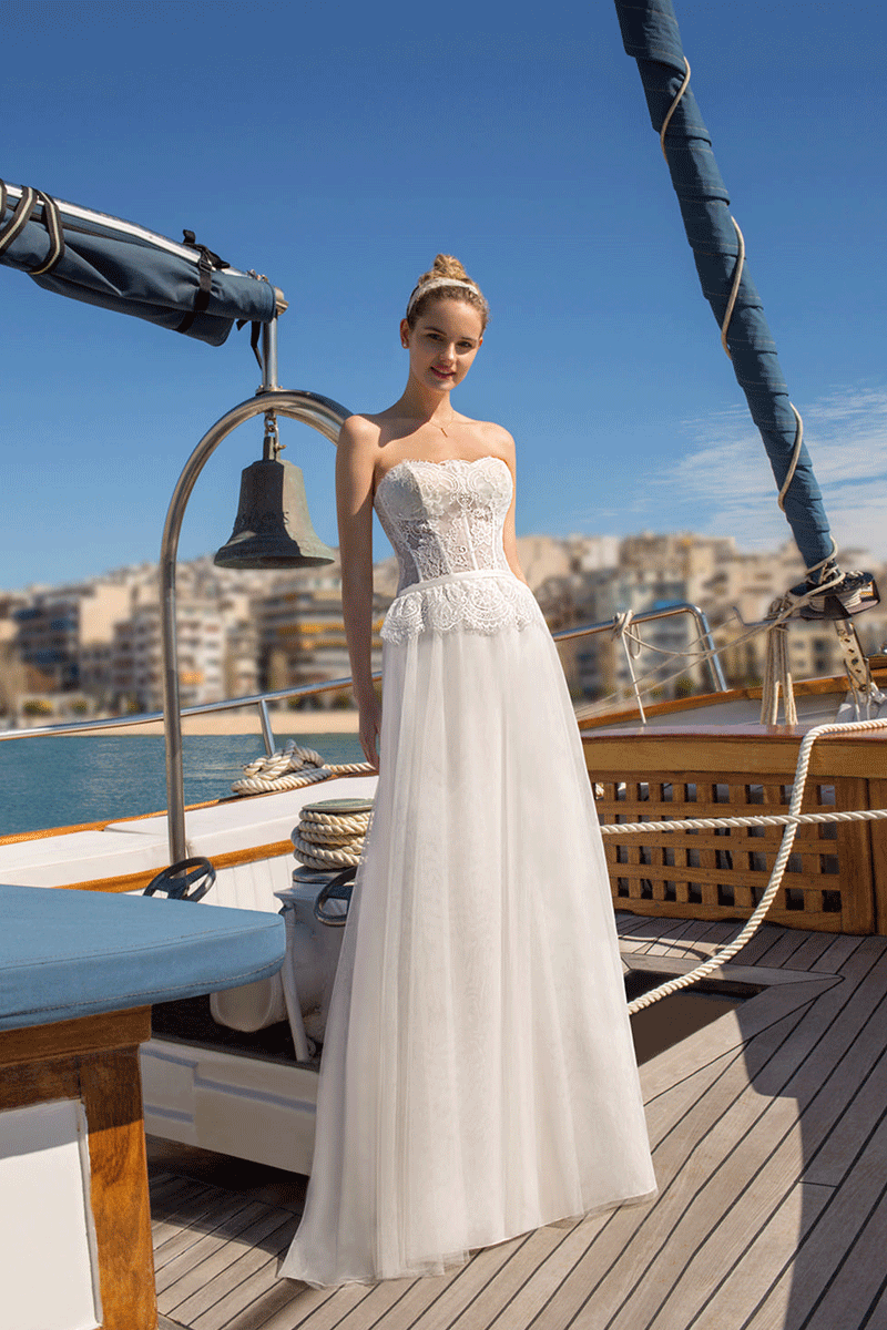 Lace strapless a line bridal wedding dress | Bycouturier