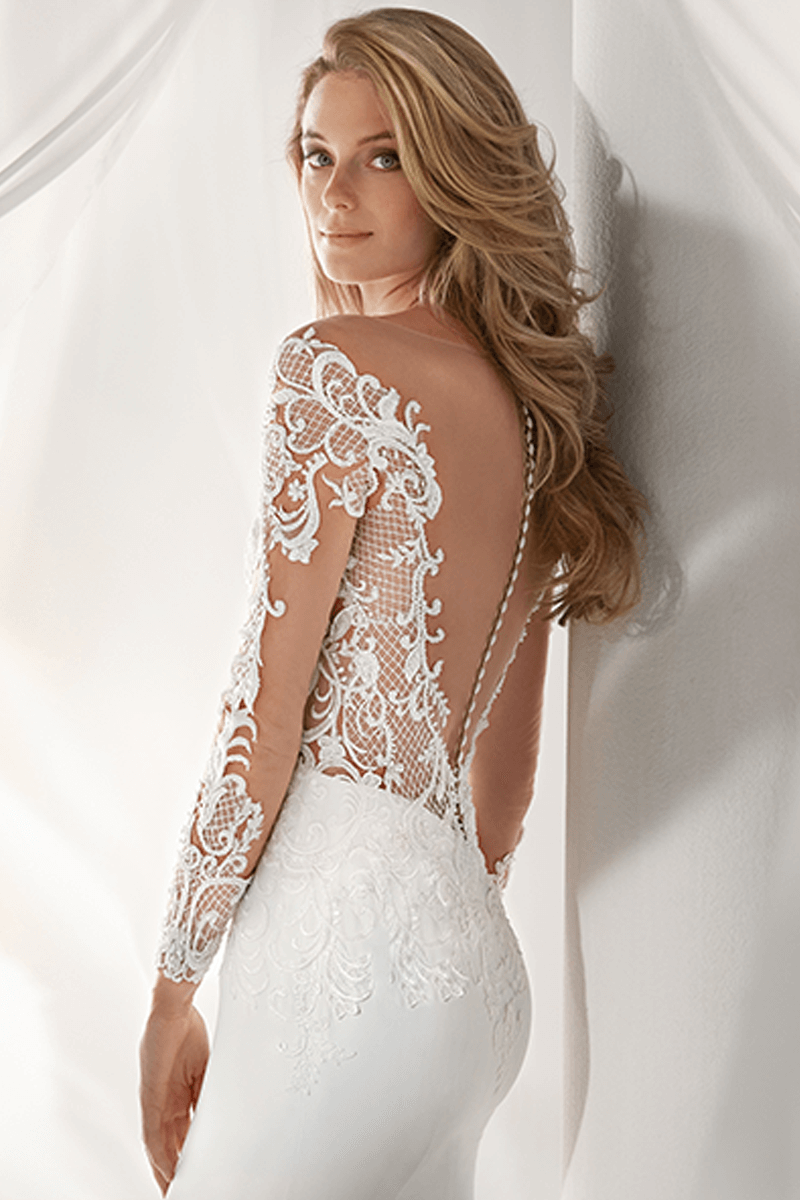 6afae0a6982e ... Sweetheart spandex tight mermaid wedding gown with lace sleeves