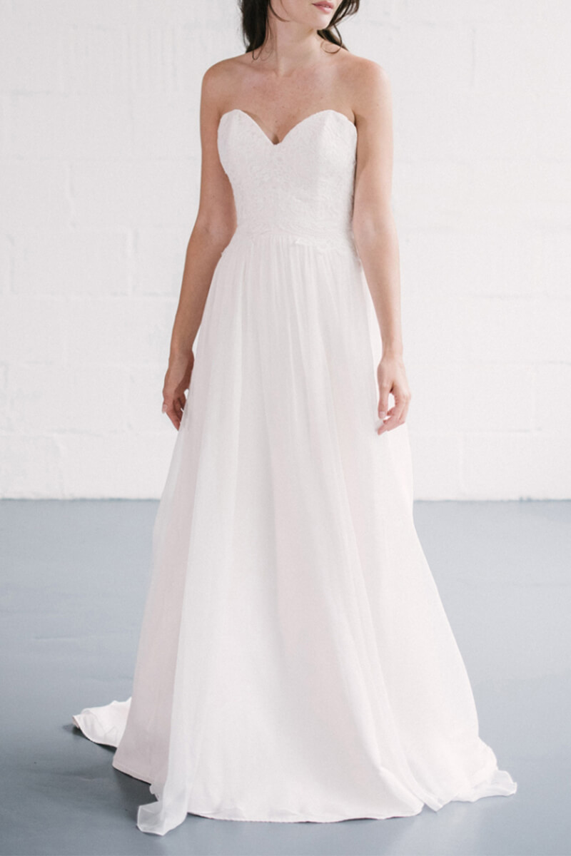 Sweetheart neck a line pleated train wedding dress | Bycouturier