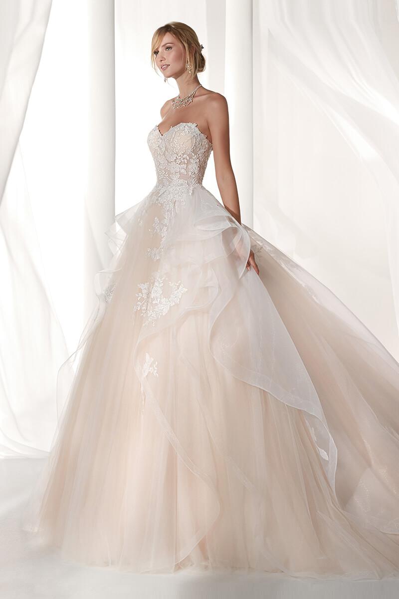 a6018c79875 Wedding Dress Lace Bodice Chiffon Skirt